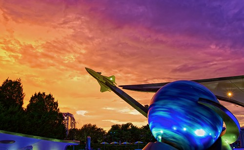 ef1635mmf28liiusm waltdisneyworld epcotcenter epcot missionspace walt disney world space sunset canoneos5dmarkii themepark orlando rocket sky