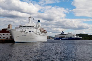 Discovery & Pearl Seaways