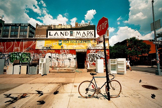 Land Mark, Williamsburg (Bessa-L)