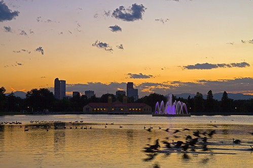 sunset lake fountain birds skyline landscape rockies pond colorado cityscape denver rockymountains canadageese citypark