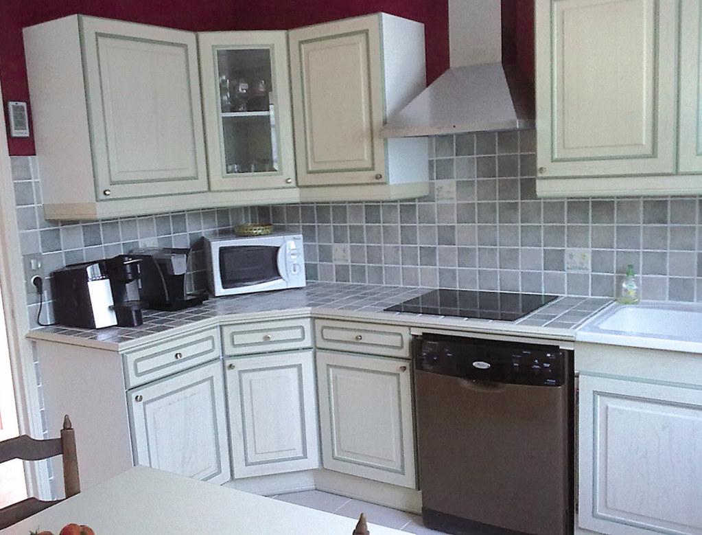 cuisine quipe rustique cuisine quip e pour petit espace. Black Bedroom Furniture Sets. Home Design Ideas