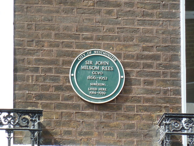John Milsom Rees green plaque - Sir John Milsom Rees GCVO 1866-1952 Surgeon lived here 1914-1939