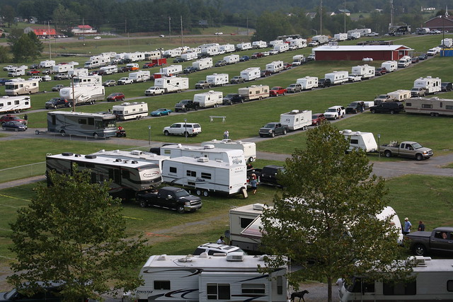 Campers roll in on sunday explore bristol motor speedway for Camping bristol motor speedway