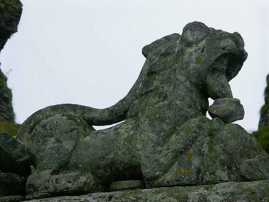 Скульптура льва на храме. Храм Тунгнатх, X век, Уттаранчал