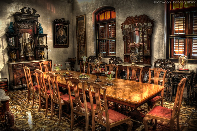 Dining room old mansion flickr photo sharing for In n out dining room hours