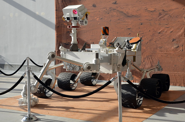 curiosity rover scale model - photo #2