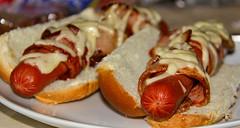 bruschetta(0.0), produce(0.0), danish pastry(0.0), meal(1.0), breakfast(1.0), pork(1.0), bread(1.0), baked goods(1.0), meat(1.0), food(1.0), dish(1.0), cuisine(1.0), bratwurst(1.0), hot dog(1.0),