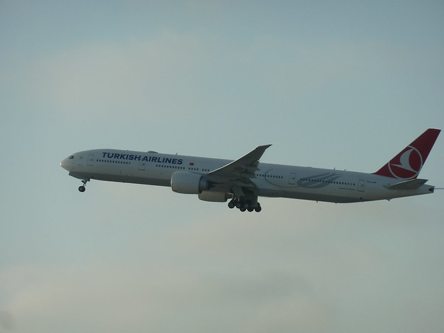 Turkish Airlines TC-JJN Boeing 777-3F2(ER) seconds after take-off from LAX