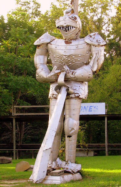 The Giant Knight of Cave City