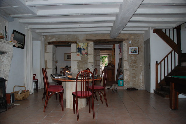 The dining room ceiling and rustic beams la salle for Salle a manger rustique