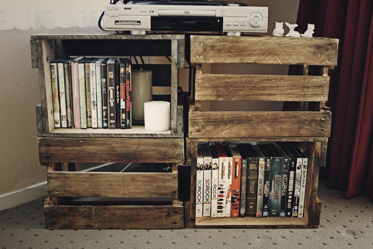 talia christine diy beer crate tv stand. Black Bedroom Furniture Sets. Home Design Ideas