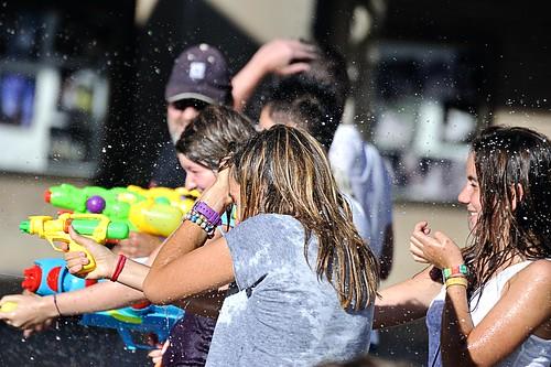 Zaragoza. flashmob. Water Gun Fight Zgz