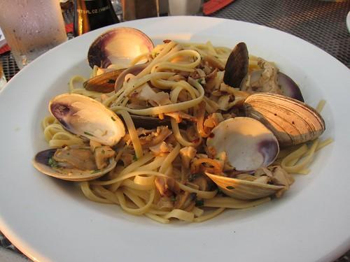 Linquine with Clam Sauce