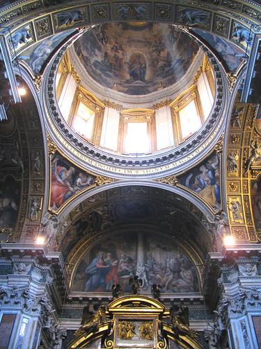 Interior Santa María Maggiore by Miradas Compartidas
