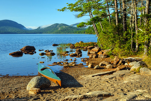summer mountains nature landscape nationalpark kayak maine shoreline newengland shore kayaking recreation barharbor acadianationalpark eaglelake goodliving