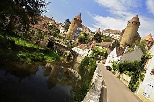 bridge france reflection river landscape ancient flickr day outdoor burgundy towers medieval bourgogne polarizingfilter semurenauxois cotedor semur canoneos5dmarkii riverarmancon