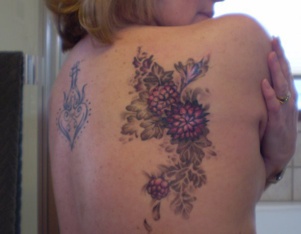 Scar cover up back tattoo floral cover up tattoo for Tattoos to cover surgery scars