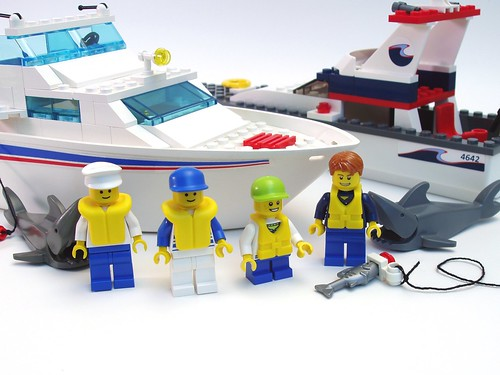 4642 Fishing Boat vs 4011 Cabin Cruiser