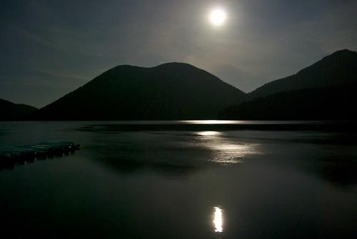 月明かりの然別湖