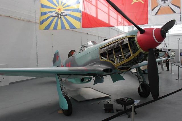 Jakowlew Jak-9 UM
