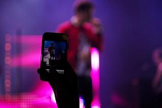 Aaron #8 @ La Voix du Rock 2011 photo de concert smartphone