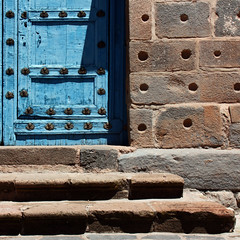 blue door and stairs details... by Zé Eduardo...