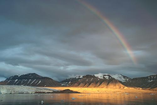 sunset sunrise rainbow glacier svalbard arctic spitzbergen billefjord nordenskiöld nordenskiöldbreen nordenskioldbreen robertfjellet urmstonfjellet nordenskjolbre nordenskjolbreen nordenskjöldbreen nordenskiöldbree
