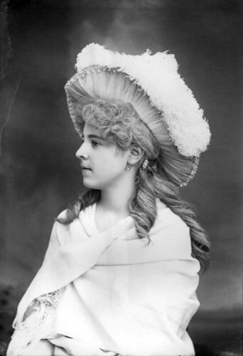 Elise Peeler wearing a large feather hat