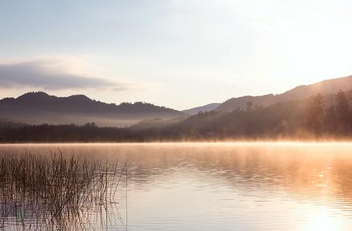 mist mountains fog sunrise vermont newengland vt northeastkingdom lakeeden edenmills canon247028l