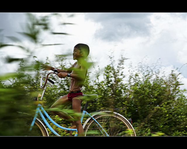 blue bicycle, red underwear and a very excited cambodian boy (explored)