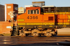 BNSF ES44AC #4366 roars across 7th St., Wichita Falls TX