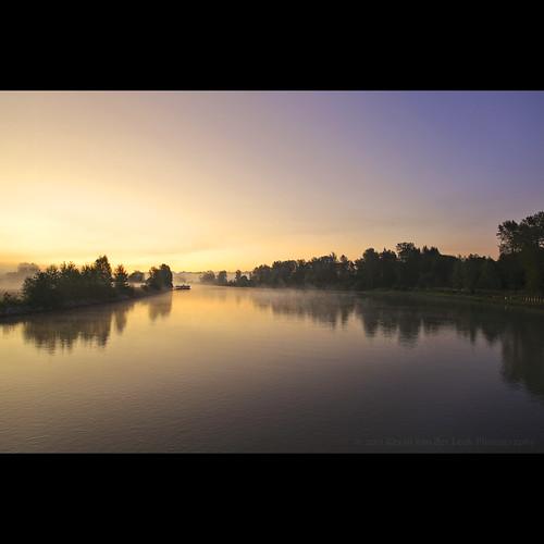 mist reflection landscape britishcolumbia september fraserriver fortlangley morningmist canadianlandscape riverscape bedfordchannel canonef1740mmf40lusm kvdl TGAM:photodesk=landscape
