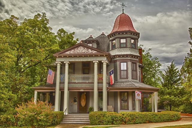 513 W Louisiana, McKinney
