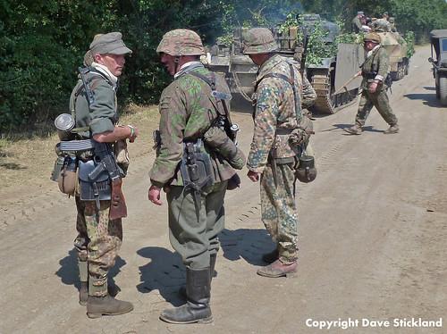 Panzer Grenadiers Confer
