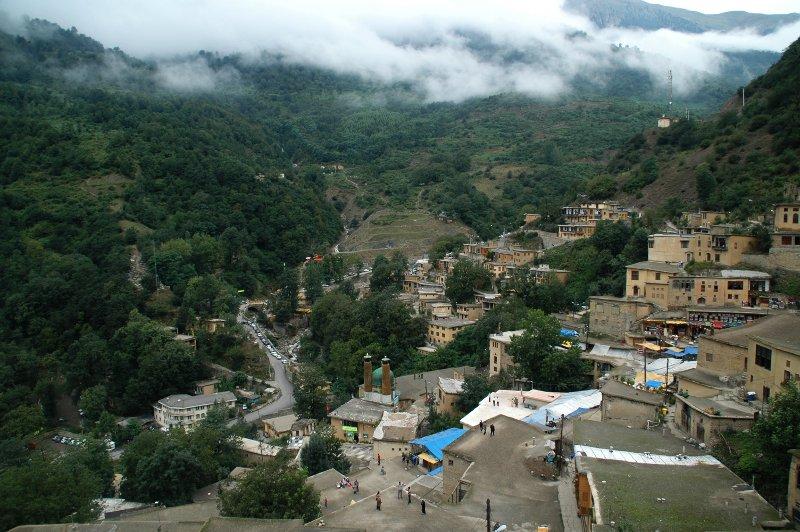 Lopen op de daken van Masuleh