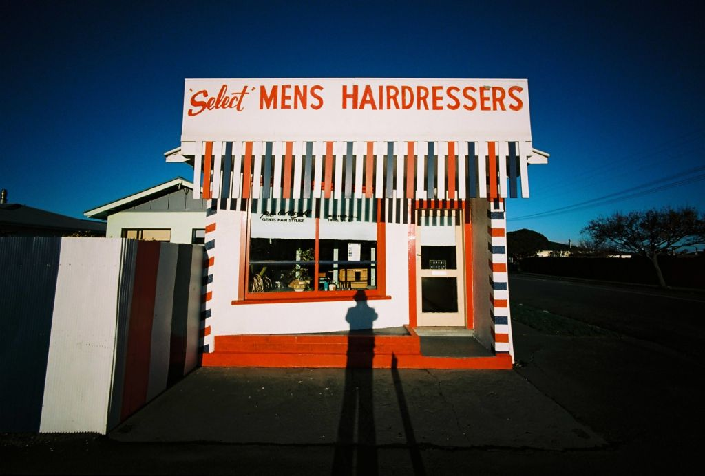 'Select' MENS HAIRDRESSERS