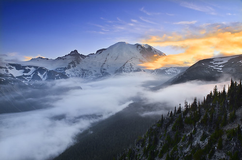 mtrainier littletahoma pacificnorthwest mtrainiernationalpark mountain peak cascades sunrisearea sunset mist fog landscape nature color clouds nikon washingtonstate emmonsglacier explore explored bestcapturesaoi wow