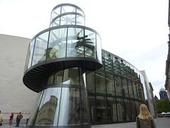 Deutches Historiches Museum: puerta trasera.