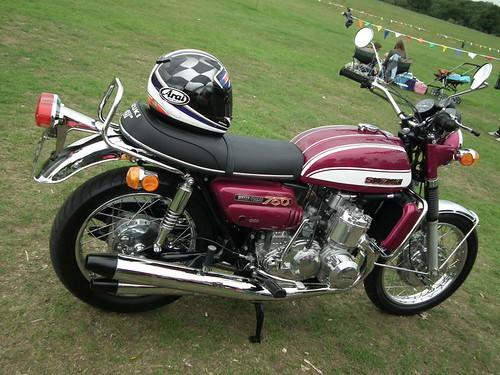 Suzuki GT750J MOTORCYCLE