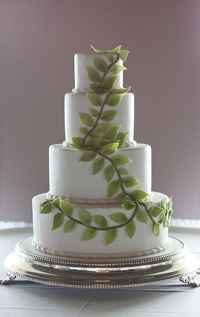 Green Leaves Wedding Cake
