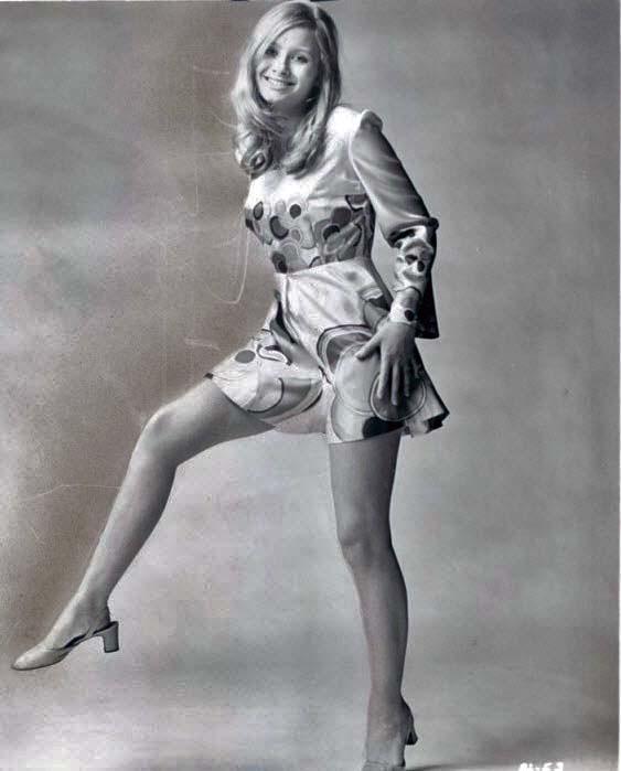 Retrospace: Mini Skirt Monday #108: 100% Pure Minis