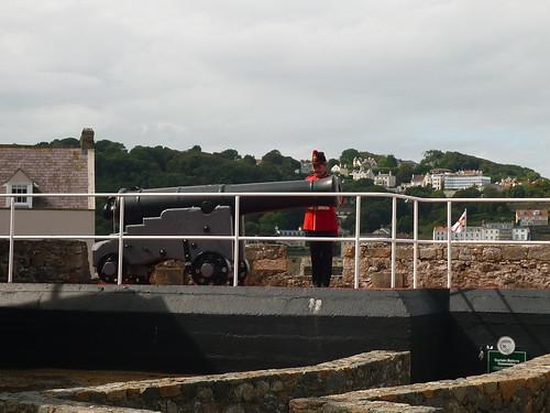 Midday gun @ Castle Cornet, St Peter Port JOG 2011 St Peter Port Race (August)