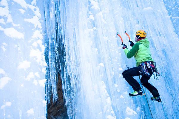 To climb on ice
