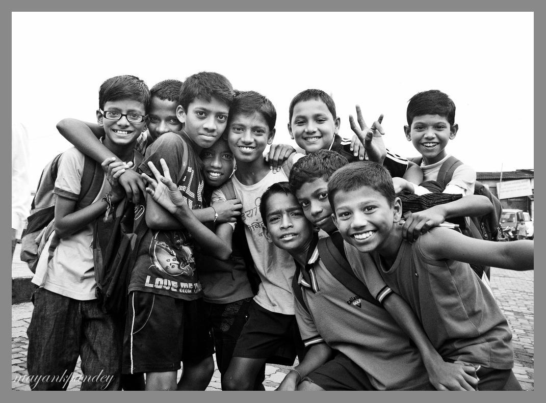 Joy - Mayank Pandey amateur photographer from Mumbai India online photo exhibition street [hotography black and white Маянк Пандей фотограф любитель из Мумбай Индия онлайн фотовыставка стрит фотография черно белый