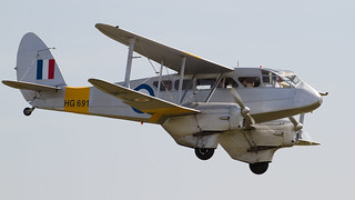de Havilland DH89 Dragon Rapide G-AIYR HG691 2a