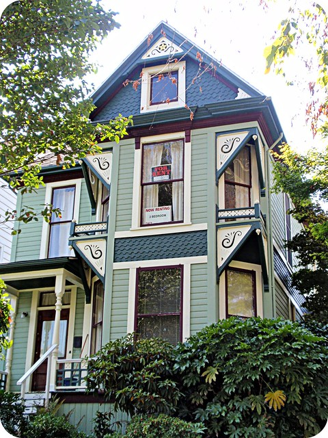 Green queen anne victorian house front view flickr for Queen anne victorian house