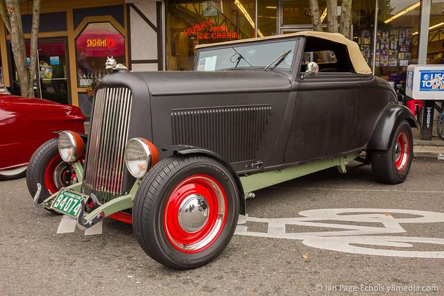 Black 1933 Hot Rod - 2011-09-18 (1)