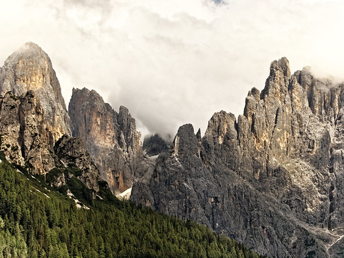Trentino vacanze in val di non trentino alto adige for Monti del trentino