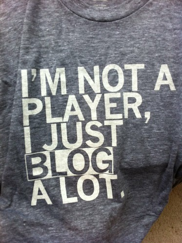 A t-shirt promotes blogging