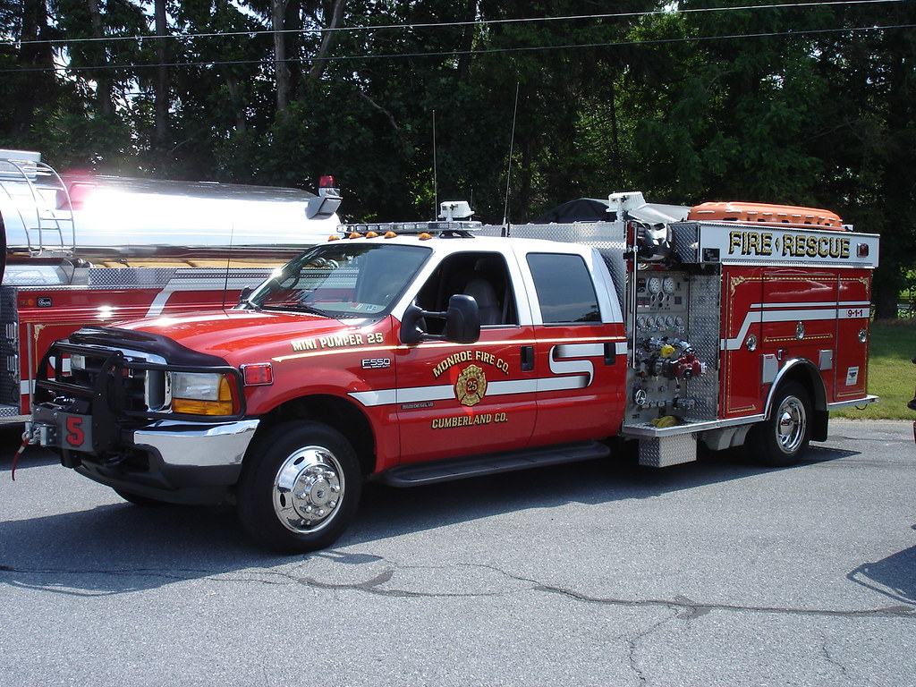 Mini-Pumper 25 | 2001 Ford with 750 GPM Pump  | Monroe Fire Company